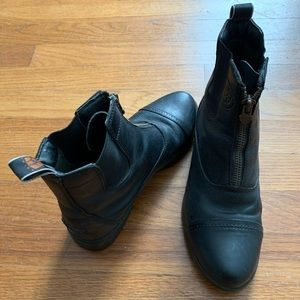 ARIAT RIDING SHOES 7.5/8